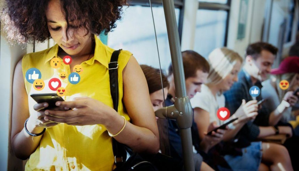 6 Negative Effects of Social Media On Your Health - FinerMinds