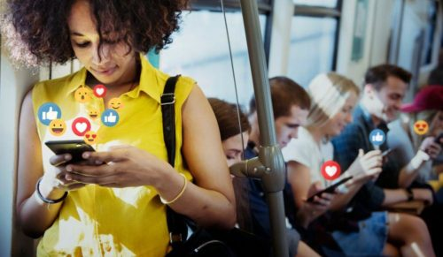 6 Negative Effects of Social Media On Your Health - FinerMinds 1